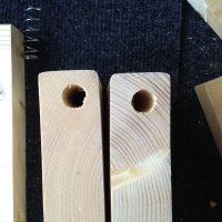 ドリルドライバとトリプルカッタで木材に真っ直ぐ穴を開ける方法