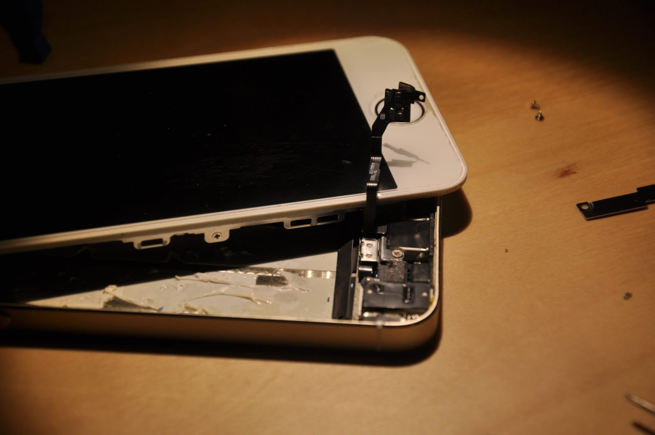 iPhone5sのホームボタン交換