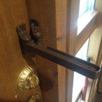 玄関のドアガード