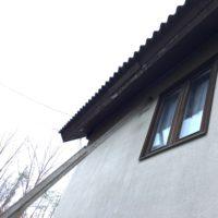 屋根の鼻隠修理とダクトテープ