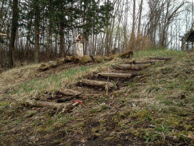 丸太階段の補修