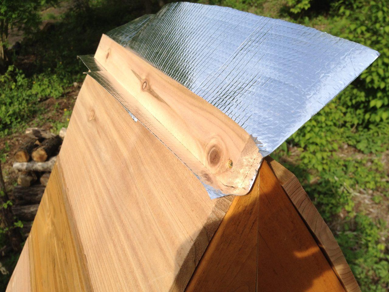 三角形の薪棚
