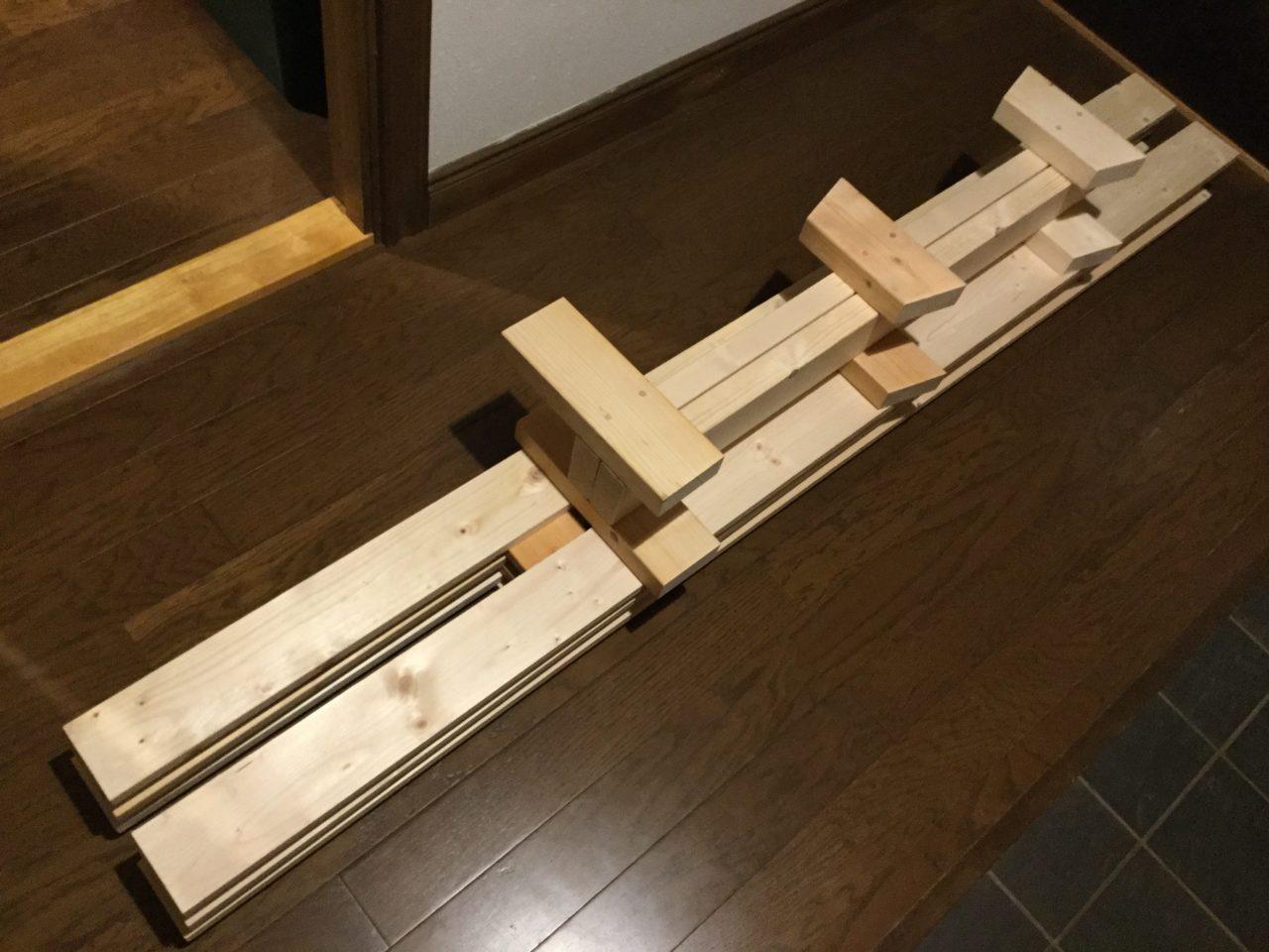 ツーバイ材の組み立て式本棚